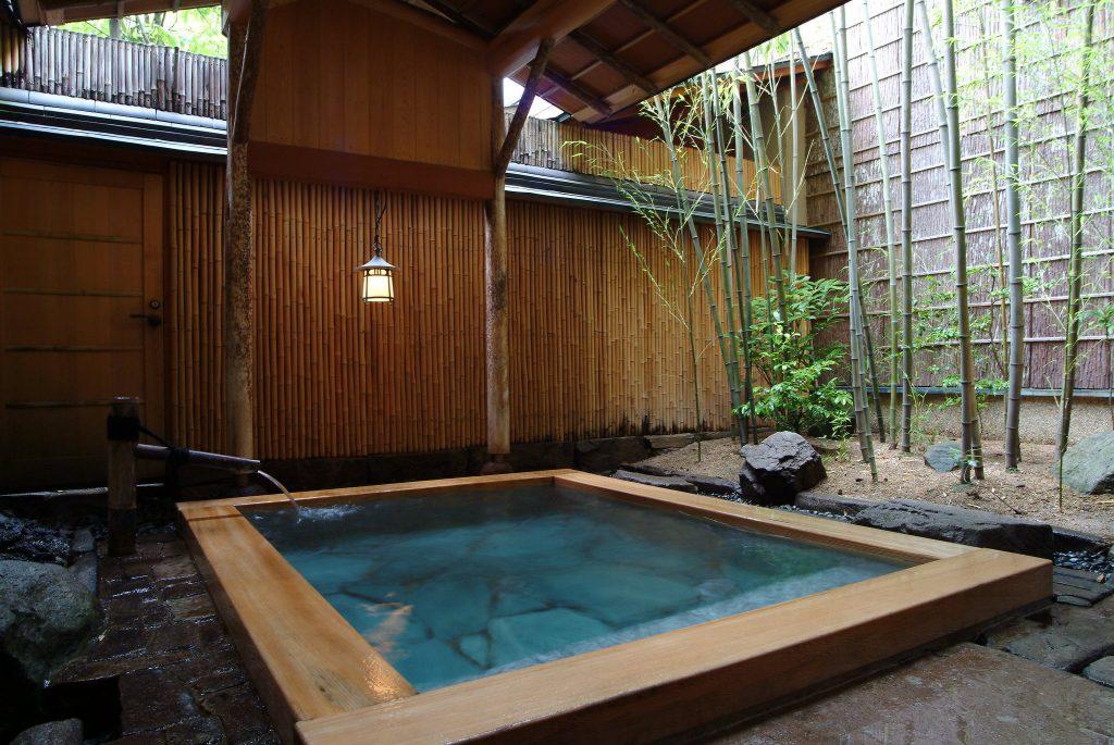 Kichinoyu hot spring bath